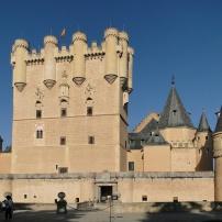 Alcázar_of_Segovia_01