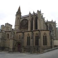 Carcassonne_kirche_innerhalb_der_cite