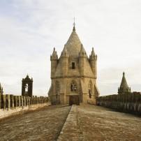 cathedral-in-evora-portugal-1600x1071