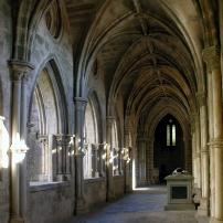 Cloisters,_Evora_Cathedral,_Alentejo,_Portugal,_September_2005