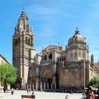 Toledo_Cathedral__from_Plaza_del_Ayuntamiento