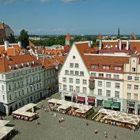 Town-Hall-Square-Raekoja-Plats-Tallinn-Estonia.